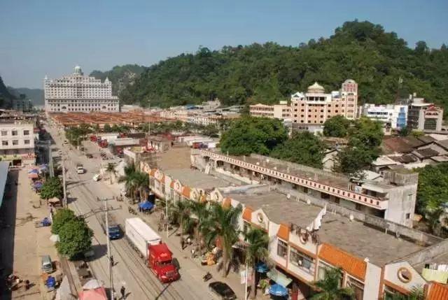 广西独具越式风情的边陲小镇浦寨,值得一去的旅游胜地!
