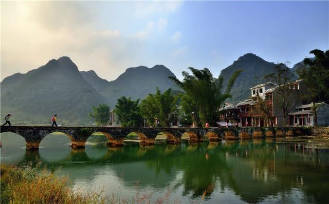准备最近去广西旅游,有什么好的建议?最好几月份去?有哪些著名景点?