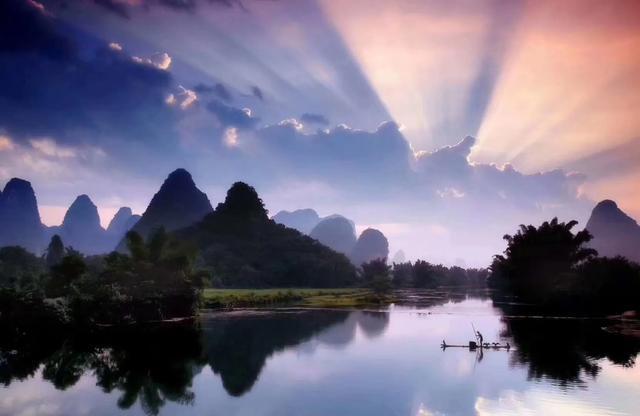 桂林美食之旅:阳朔啤酒鱼