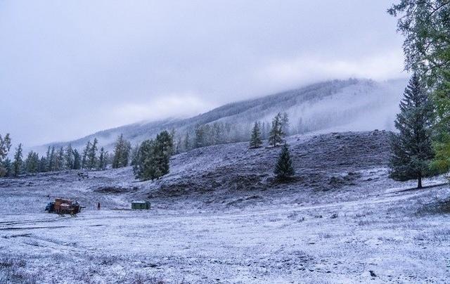 冬季看雪指南|这几个热门旅行地,总有一个能满足你对冬日的幻想