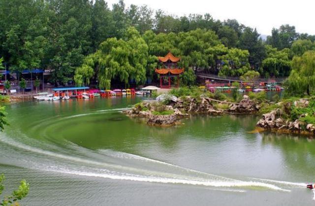 这个4A级旅游景区——万泉湖,冬季也适合去游玩