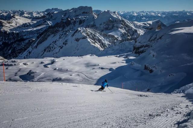在瑞士,没有滑过雪的冬天是不完整的