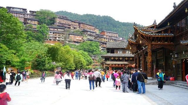 西江千户苗族村寨旅游,国内游客人数第二的古镇