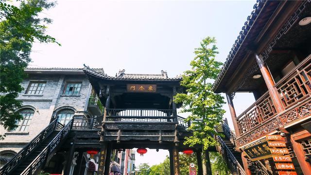 """耗资72亿重建中国最大古城台儿庄,有誉""""天下第一庄"""""""