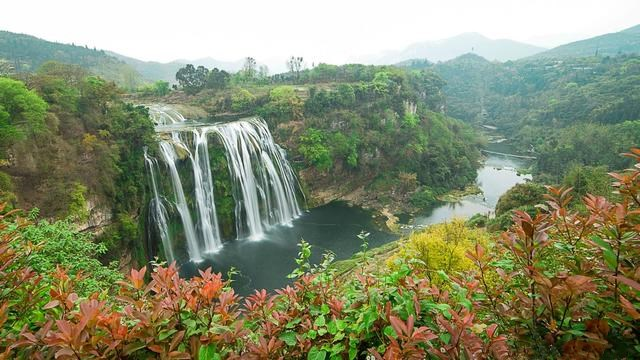 我国最大的瀑布——黄果树瀑布旅游