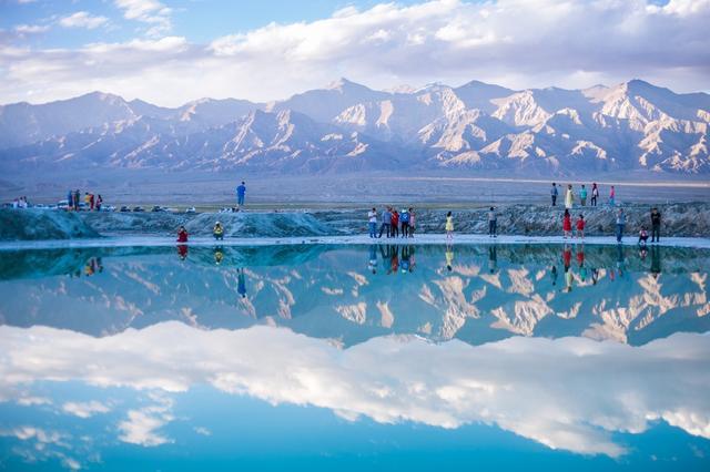 青海乌兰县旅游攻略:茶卡盐湖、金子海、哈里哈图都在这里