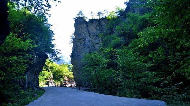镇坪飞渡峡景区攻略,通往巴山深处的神秘隧道
