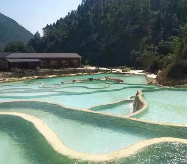 冬天泡布洛温泉