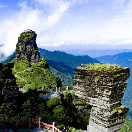 """被称为""""武陵第一峰"""",山路惊险堪比华山,中国登山爱好者的天堂"""