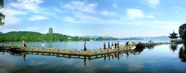 杭州除了西湖,还有人均排队两小时的绿茶餐厅,带你尽享杭州美食