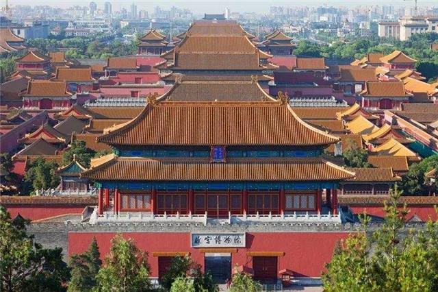 """月想去北京游玩,有没有北京本地人给点建议,怎么规划行程?"""""""