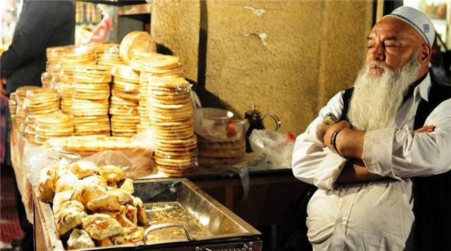 去新疆旅行一周,费用大概是多少?(新疆七日游价格)