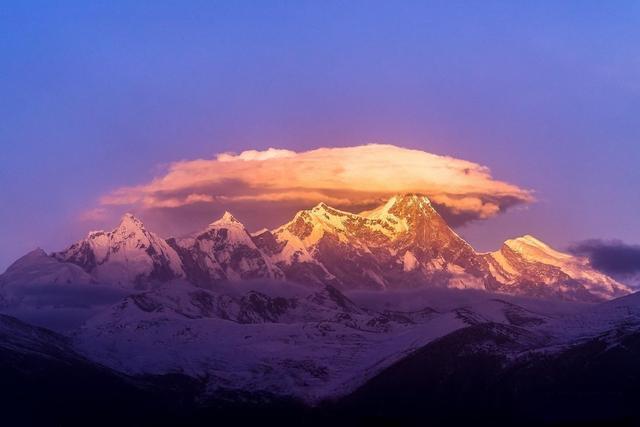 南迦巴瓦峰为什么能够获得中国最美峰的美誉?