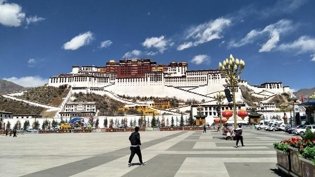 初次去西藏旅游担心高反,你可以尝试这条滇藏线