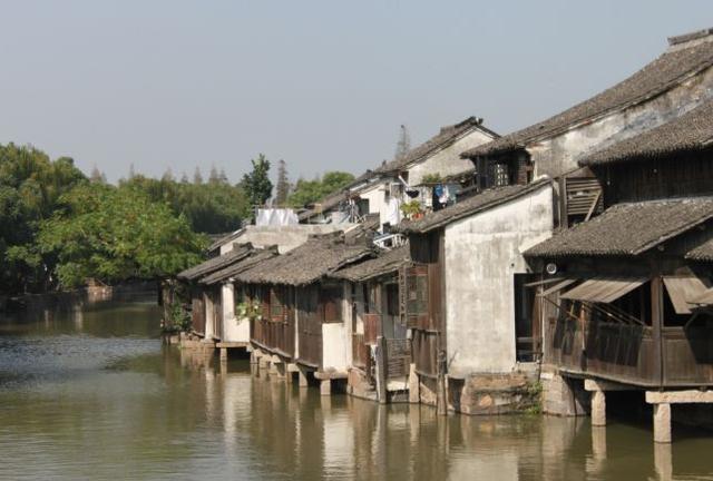 """中国最会""""赚钱""""的古镇——乌镇,门票高达200元!游客逐年增加"""
