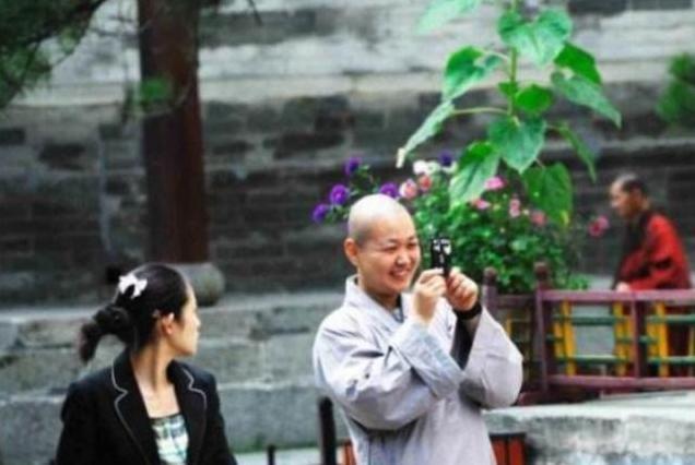 """山西五台山出现大量""""尼姑"""",个个年轻貌美,游客:都不是正经人"""