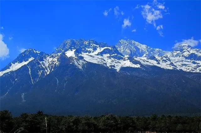 你到过云南旅行吗?丽江与西双版纳哪个地方风景好?